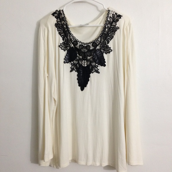 c61a6c3ff6ddb k. jordan Tops - Boho Ivory Cold-Shoulder Bell Sleeve Top